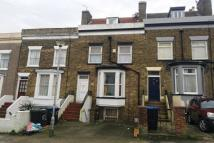 2 bed Flat to rent in Vale Road, Ramsgate, CT11