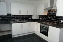 2 bed house to rent in Victoria Avenue