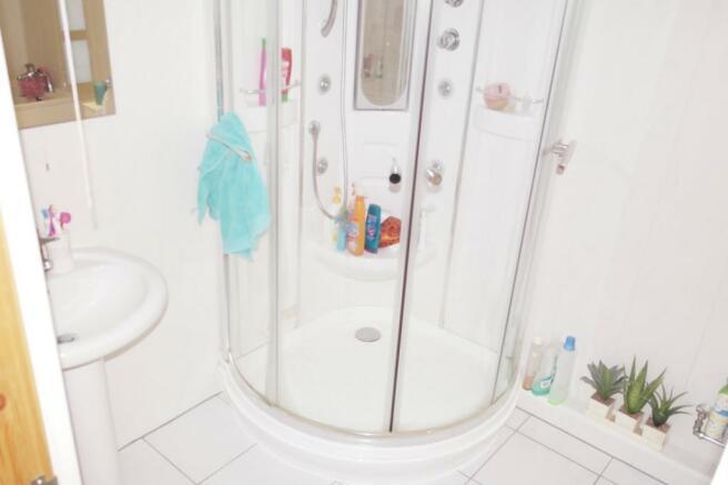 Main Bathroom Contin