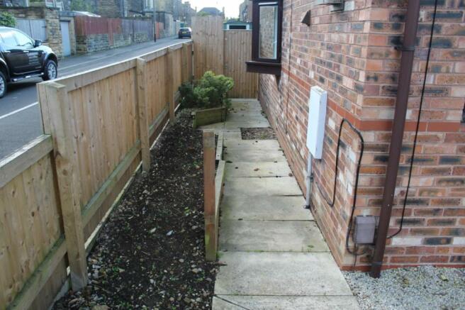 Side Garden Continue