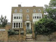 Apartment to rent in Russell Road, Shepperton...