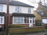 3 bedroom semi detached house to rent in Horne Road, Shepperton...