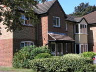 SHEPPERTON COURT DRIVE Flat to rent
