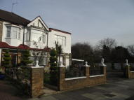 5 bed End of Terrace property for sale in Hedge Lane, London, N13