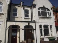 Flat to rent in Tottenhall Road, London...