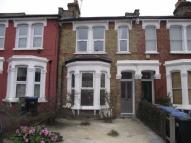 Ground Flat to rent in Stonard Road, London, N13