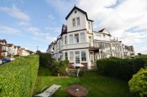 2 bedroom Flat in The Leas...