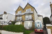 2 bed Flat in Clifftown Parade...