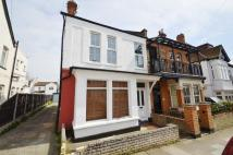 2 bed Flat in Beach Avenue...