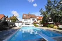 7 bed Detached home for sale in Drake Road...
