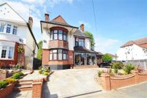 6 bed Detached house for sale in First Avenue...