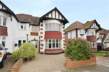 3 bedroom semi detached house in Medway Crescent...