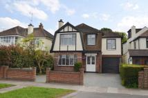 6 bed Detached property for sale in The Fairway...