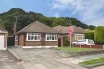 Detached Bungalow to rent in Woodside, Leigh-on-sea...
