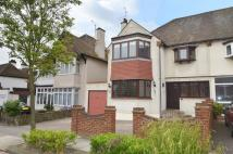 4 bedroom semi detached property in Kent View Avenue...