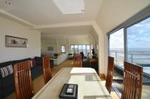 Flat for sale in Palmeira Avenue...
