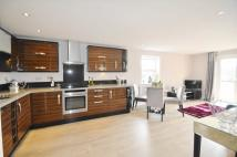 2 bedroom Flat for sale in Rayleigh Road...