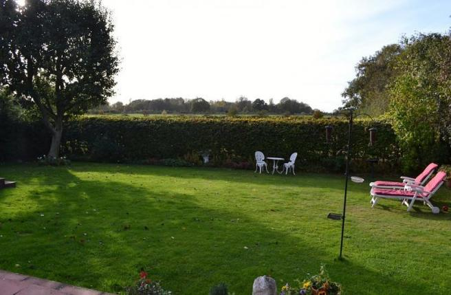Garden and view to rear