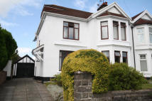 5 bedroom semi detached property in Chargot Road...