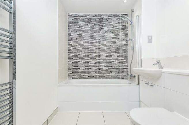 Plot 81 Bathroom