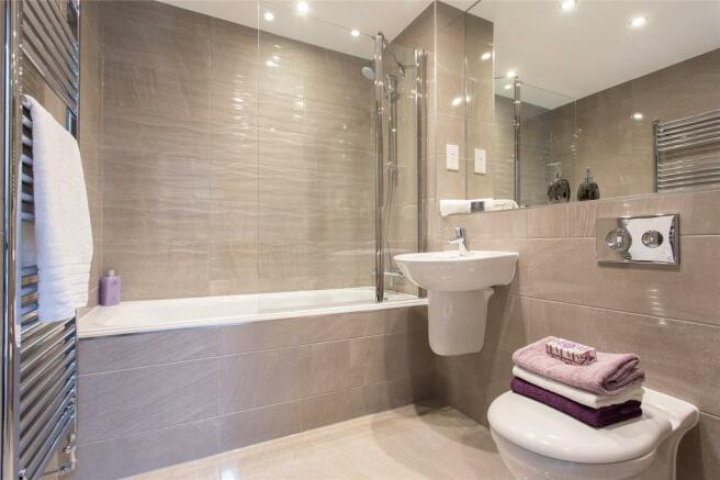 Plot 7 Bathroom
