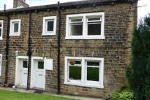 Cottage to rent in Oldham Road...
