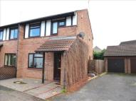 3 bedroom semi detached house to rent in Woodhall Rise...
