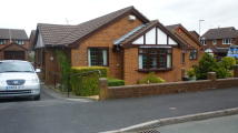 2 bed Detached Bungalow in Woodruff Close, Packmoor
