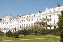 2 bed Flat in Lewes Crescent, Brighton...