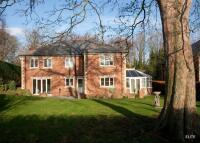 4 bedroom Detached house in Potters Bank...