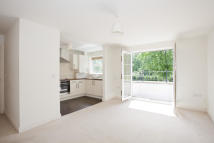 Flat in Cranleigh Road...