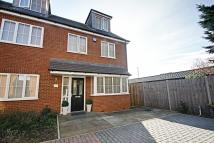 5 bedroom semi detached house in Privet Drive, Watford...