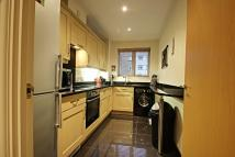 2 bedroom Flat in Ovaltine Court...