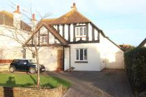 4 bed Detached house in Rose Walk, Worthing...