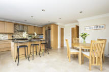 5 bed Detached property in Long Marston...