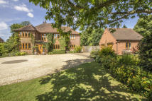 Detached property in Great Alne, Warwickshire