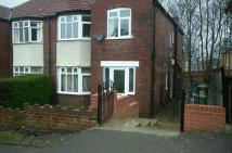 23A ROXHOLME GROVE Flat to rent