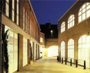 3 bedroom Flat for sale in Blake Mews, Kew, Surrey