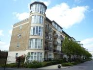 Apartment to rent in Melliss Avenue Kew TW9