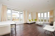 Penthouse to rent in Melliss Avenue...