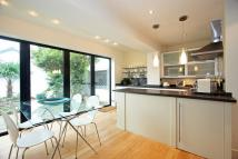 2 bed Flat to rent in High Park Road, Kew...