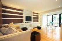 2 bed Flat in High Park Road, Kew...