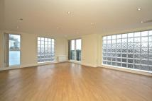 2 bedroom Apartment in Milestone Road, London...