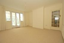 Flat to rent in Crown Lane Gardens...