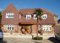 6 bed Detached house in Greenbrook Avenue...