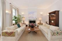 Apartment for sale in Upper Brook Street...