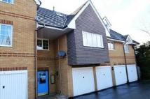 Flat in Walnut Mews Pollardrow...