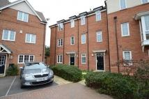 2 bed Maisonette in School Drive, Woodley...