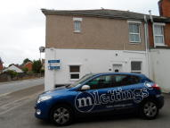 Ground Flat to rent in Lechlade Road, Highworth...