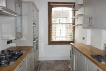 Maisonette in Woodland Road...